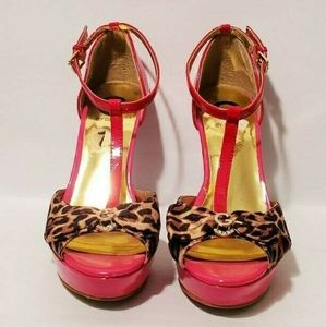 *Recent Price Drop*Gby Guess Open-Toed Strappy Red& Leopard Print